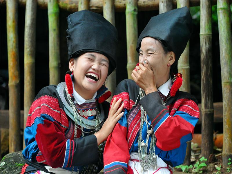 PYI_SOE_TUN_120C345_smiling_of_lisu_ladies.jpg