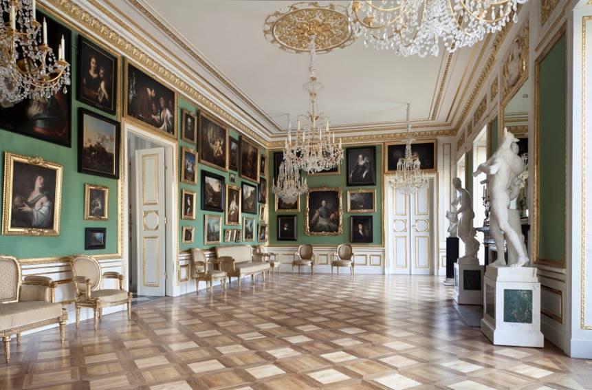 Galeria obrazów w Pałacu na Wyspie w Łazienkach Królewskich fot Jan Pietrzak i Jan Gierach