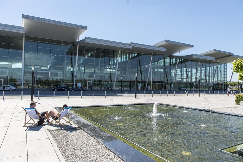 PL Wroclaw przed terminalem