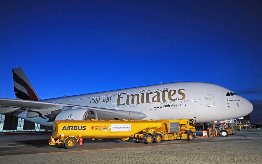Emirates z radością witają pierwszy z trzech Airbusów A380, które miały zostać dostarczone w grudniu